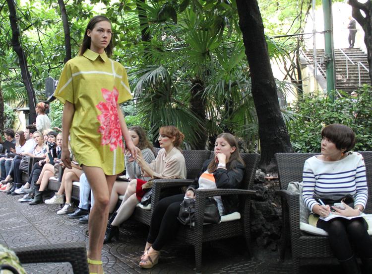 Chicca Lualdi BeeQueen sfilata primavera estate 2013