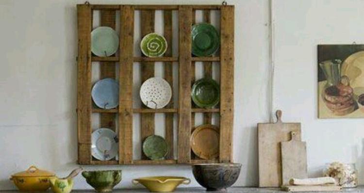 Recycle riutilizzare bancali in legno per arredare casa e - Come utilizzare i pallet per arredare casa ...
