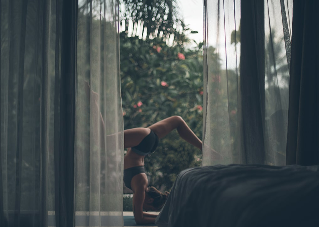 Yoga app allenarsi a casa benessere fisico emotivo